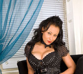 Donna - Black Outfit - Anilos 6