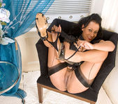 Donna - Black Outfit - Anilos 11