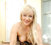 Renata - Hardcore Blonde - Anilos 16
