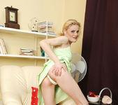 Scarlette Sax - Green Upskirt 2