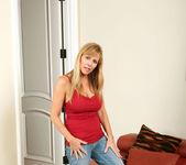 Nicole Moore - Big Dildos - Anilos 5