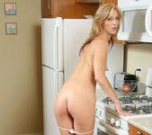 Dee Dee - Kitchen Milf - Anilos 16