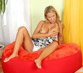 Vivien - Yummy Mommy - Anilos 3