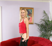 Payton Leigh - Red Couch - Anilos 4