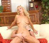 Merilyn - Milf Sex - Anilos 13