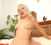 Merilyn - Milf Sex - Anilos 15