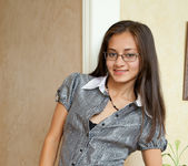 Sima - teen with glasses oiling up her pussy 3
