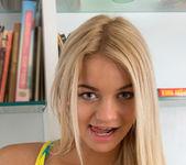 Vanesa - blonde teen slut gets naked 4