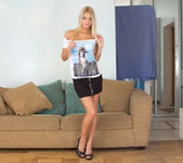 Vanesa - slutty teen blonde fingering herself 5