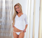 Amanda Blake - Nubiles 7