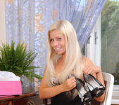 Candy Blond - Nubiles 3