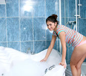 Agnessa - bath-time suds 2