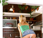 Ametista - she can't cook, but she can get naked 7