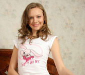 Aimee - naked teen with a wonderful smile 20