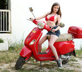 Vespa scooter - Emily 2