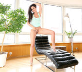 Chatte - Little Caprice 7