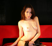 Red sofa - Lila - Watch4Beauty 2