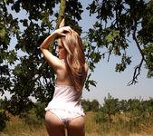 Sunny - Lilian White - Watch4Beauty 3