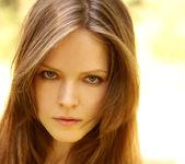 Sunny - Lilian White - Watch4Beauty 8