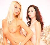 Double sense - Mina & Lea Tyron 2