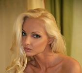 Naked - Victoria Cruz 6