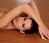 On the floor - Evelyn Lory 2