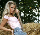 On farm - Kristyna - Watch4Beauty 2