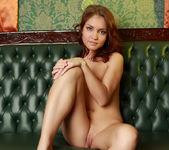Nude Model Jenny - Linger 4