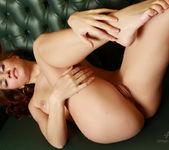 Nude Model Jenny - Linger 13