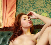 Nude Model Jenny - Linger 16