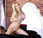 Angela Sommers Spreads Her Smooth Legs Open 9