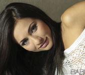 La Morena Hermosa - Michaela Isizzu 11