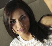 La Morena Hermosa - Michaela Isizzu 14