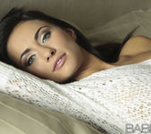 La Morena Hermosa - Michaela Isizzu 18