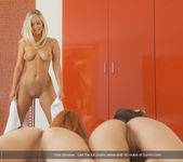 Good Vibrations - Ariel, Caprice & Miela 10