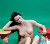 Snow White - Gwen - Femjoy 4