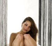 Turning Brighter - Lorena G. 6