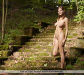 Rule The Ruins - Lea - Femjoy 4