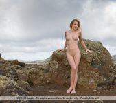 Look Around - Belinda 4
