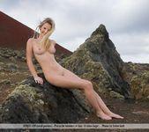 Look Around - Belinda 5