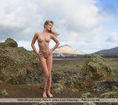 Look Around - Belinda 13