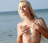 Stranded - Vika - Femjoy 8