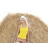 Sunflower - Vika D. - Femjoy 2