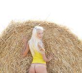 Sunflower - Vika D. - Femjoy 3