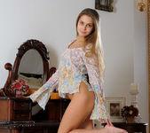 Flirt - Alice V. - Femjoy 11