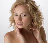 Flawless - Gabi - Femjoy 16