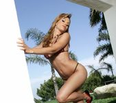Triana Iglesias - BumbleGirls 3