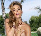 Triana Iglesias - BumbleGirls 9