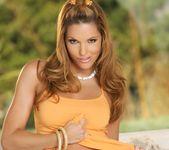 Triana Iglesias - BumbleGirls 2