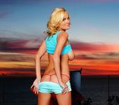 Hannah Hilton - BumbleGirls 5